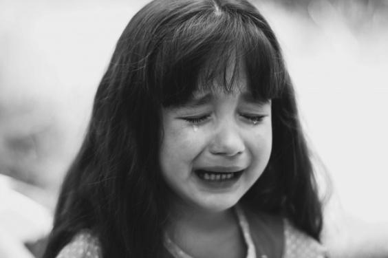 little-girl-crying_1304-656.jpg